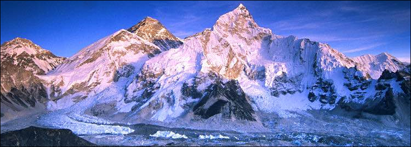 L'Everest sempre attira anche nel 2017 molte spedizioni alpine
